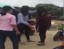 Lại xuất hiện clip nữ sinh bị đánh hội đồng
