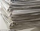Chi tiền mua gần 1.000 tờ báo để che giấu chuyện mình bị bắt
