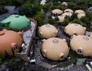 Bên trong khu nghỉ dưỡng với hàng trăm ngôi nhà chống động đất