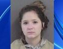 Mẹ gọi cảnh sát bắt con gái vì dám... đánh chó cưng của gia đình