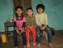 Bố chết, mẹ bỏ đi, 3 đứa trẻ sống lay lắt cùng ông bà nội tàn tật