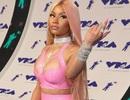 """Nicki Minaj """"bóp nghẹt"""" cơ thể với đồ chất liệu nhựa dẻo"""