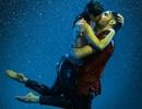 Lý giải bất ngờ vì sao con người thường nghiêng đầu khi hôn