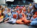 Du khách ngỡ ngàng chiêm ngưỡng hàng trăm người khỏa thân ở quảng trường Thời Đại - New York