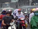 Người dân miền Tây đội mưa lớn, rời Sài Gòn ngày cuối năm