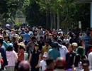 Khu vui chơi ở Sài Gòn đông nghịt người du xuân, vãn cảnh...