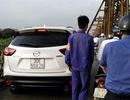 """Hà Nội: Lộ diện tài xế xe Mazda CX-5 """"leo"""" cầu Long Biên"""