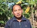 Ông lão người Mông xin trả giấy chứng nhận hộ nghèo