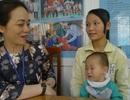 Bé Lý Triệu Hồng Sơn được xuất viện về nhà