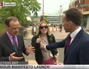 """Tranh cãi chuyện phóng viên BBC """"sờ ngực"""" phụ nữ trên truyền hình trực tiếp"""
