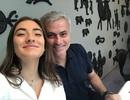 """Mourinho hạnh phúc mừng sinh nhật con gái """"rượu"""""""
