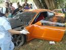Sư Thái Lan đâm tan nát siêu xe đi mượn vào gốc cây