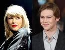 """Taylor Swift """"săn"""" nhà tại Anh để được gần gũi bạn trai"""