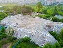 Hà Nội: Đống rác thải khổng lồ xuất hiện gần khu dân cư