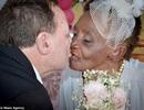 Vị hôn thê già nhất thế giới 106 tuổi, đính hôn với chú rể 66 tuổi