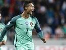 """C.Ronaldo ra tay, Bồ Đào Nha thắng nhọc """"tí hon"""""""