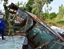 4 căn nhà bị sạt lở kéo tuột xuống sông trong đêm ngày cuối năm