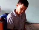 Cậu học sinh nghèo mồ côi mẹ: Thiếu chân nhưng không thể thiếu học