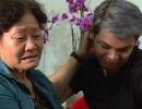 Mẹ ca sĩ Sơn Ngọc Minh khóc nức nở khi con trai tiết lộ giới tính
