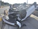 """Sáng tai nạn chết người, chiều ô tô """"phơi bụng"""" ngay vị trí cũ"""