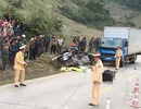 Va chạm kinh hoàng giữa xe tải và ô tô con, 4 người tử vong