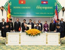 Tổng Bí thư hội kiến Thủ tướng Campuchia - Ký kết 5 văn kiện hợp tác