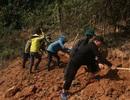 Hơn 500 người gian nan khoét núi mở đường vào bản