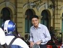 Thầy hiệu trưởng nhiều năm đứng chào học sinh mỗi sớm - chiều