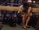 """Yêu nơi công cộng: """"Vứt"""" sĩ diện thể hiện tình cảm đến mức lố lăng!"""