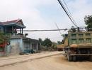 Xã tự lập barie thu phí xe tải qua đường