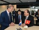 Thủ tướng đề nghị Hà Lan hỗ trợ chống sạt lở, xâm nhập mặn