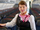 """Nữ tiếp viên hàng không 81 tuổi được mệnh danh là """"nữ hoàng bầu trời"""""""