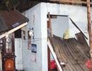 Gió lốc khiến hàng chục căn nhà bị tốc mái