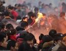 Người Trung Quốc chen chúc lễ chùa Ngày Thần Tài