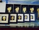 Quà tặng 8/3: Đại gia Hà Thành chi hàng trăm triệu mua tranh mạ vàng tặng chị em