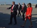 Vì sao ông Trump liên tục từ chối nắm tay vợ khi hội ngộ?