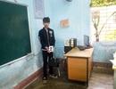 Vờ hỏi thăm người quen rồi lẻn vào trường trộm đồ giáo viên