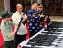 Trung Quốc lại cho không Philippines 3.000 khẩu súng