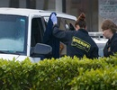 Cảnh sát Mỹ dùng vòi nước cứu hỏa ép nghi phạm rời xe