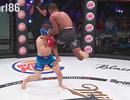"""Võ sĩ MMA hạ gục đối thủ trong 1 giây sau đòn """"lên gối"""""""