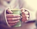 Uống trà nóng mỗi ngày để giảm nguy cơ bệnh về mắt