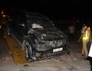 Xe Fortuner gây tai nạn liên tiếp khi đang ra khỏi bãi đỗ