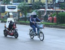 Người Sài Gòn đi xe máy điện công cộng?