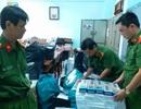 Ô tô chở 15.300 gói thuốc lá lậu tông vào lực lượng công an