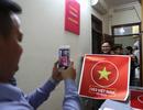 Xưởng in phát miễn phí hình dán cổ vũ U23 Việt Nam