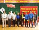 Đoàn viên Phân hiệu ĐH Huế mang hơi ấm đến học sinh và người dân vùng cao