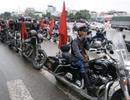 """Đoàn mô tô """"khủng"""" đang tiến ra Sân bay Nội Bài chào đón U23 Việt Nam"""