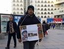Gia đình bé Nhật Linh thu thập chữ ký kêu gọi tử hình nghi phạm sát hại con