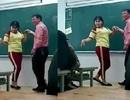 TPHCM: Thú vị màn khiêu vũ của thầy và trò trên bục giảng