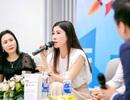 """Hoa hậu Lâm Hải Vi dự sự kiện """"CEO và câu chuyện Khởi nghiệp"""" cùng SV Đại học Luật TPHCM"""